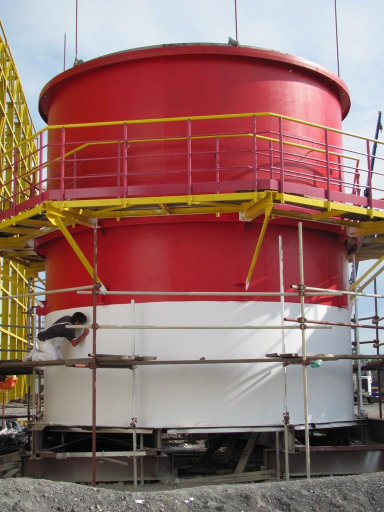 Дымоводные трубы тепловой электростанции Сисак